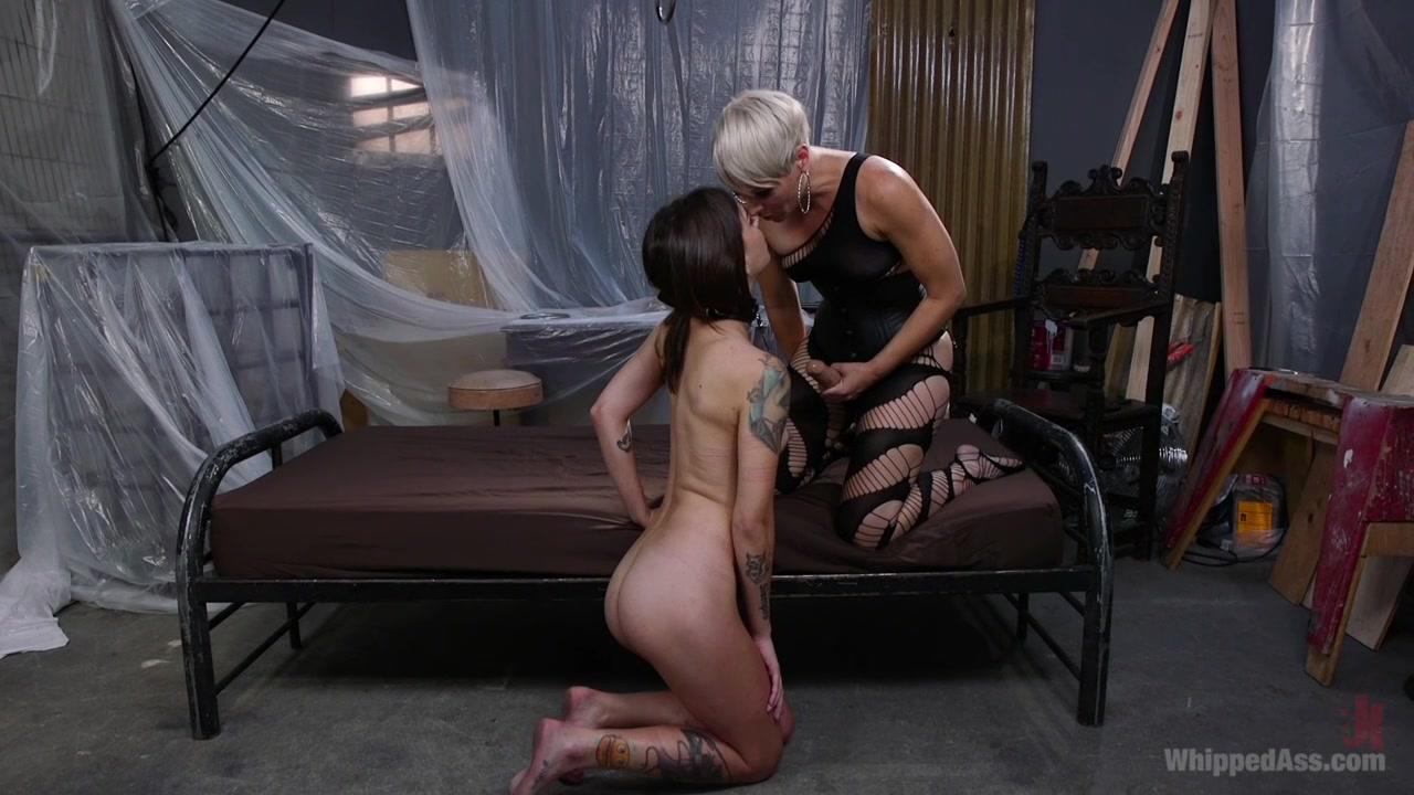 Порно видео фемдом подчинение госпожа страпон