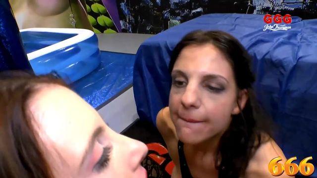 Порно женщины которые любят сосать члнны