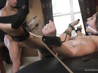 prostitutki-lyubitelnitsa-bondazha-video-zhurnal-trahnuli