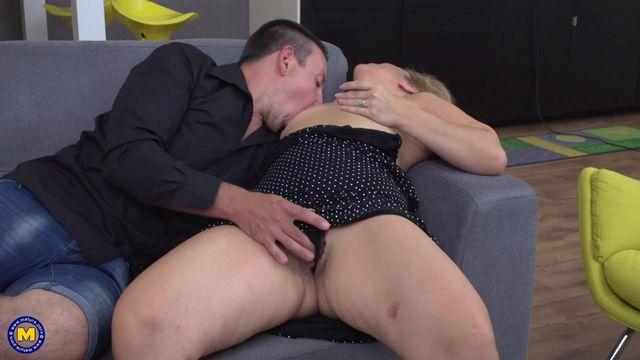Смотреть онлайн порно толстой женщины и парня