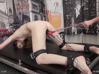 Безумный хардкоре порно фистинг заставил связанную рабыню спустить несколько раз подряд