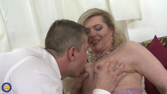 Зрелые женщины с красивой фигурой порновидео