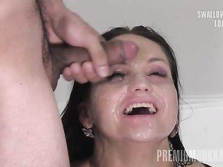 Высокая женщина модельной внешности вдоволь наглоталась теплой спермы на порно кастинге