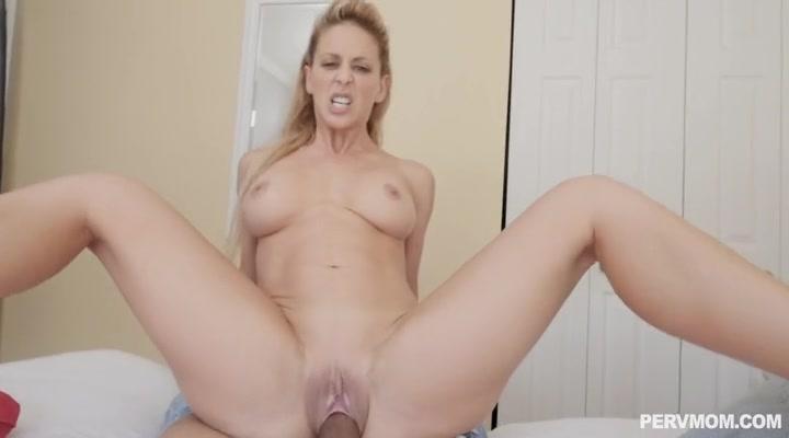 Секс с брюнеткой в черных чулочках обмотанной веревкой, онлайн порно джианна майклз в душе