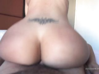 Бразильянка с огромным задом доставила удовольствие мужчине