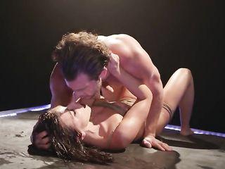 Adriana Chechik получила извращенный бондажный секс