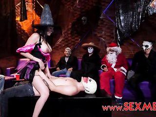 Хэллоуин порно вечеринка